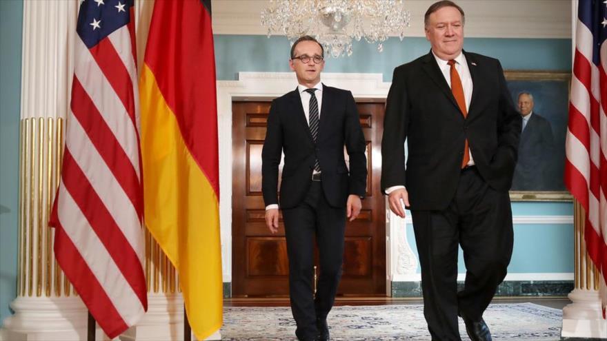El ministro de Exteriores de Alemania, Heiko Maas (izda.) y el secretario de Estado de EE.UU., Mike Pompeo, en Washington, 23 de mayo de 2018. (Foto: AFP)