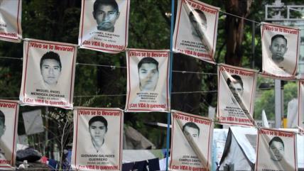Mexicanos se movilizan en Iguala para buscar a los 43 de Ayotzinapa