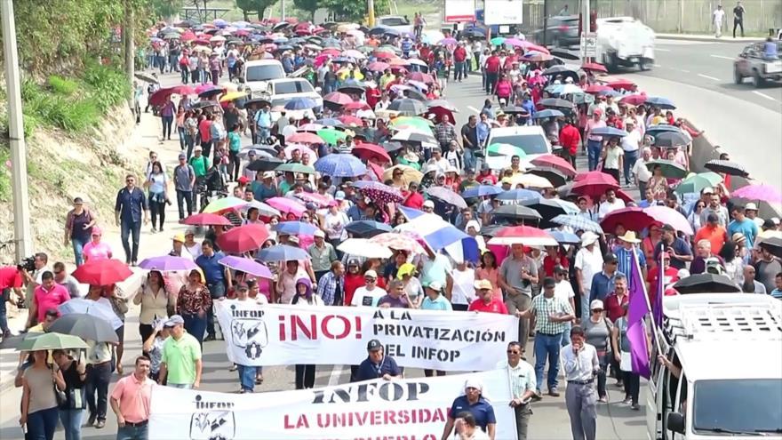 Honduras: Maestros protestan contra la privatización de educación