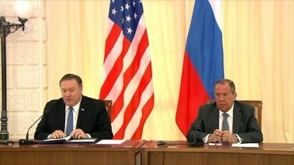 Pompeo y Lavrov hablan de restaurar los lazos Washington-Moscú