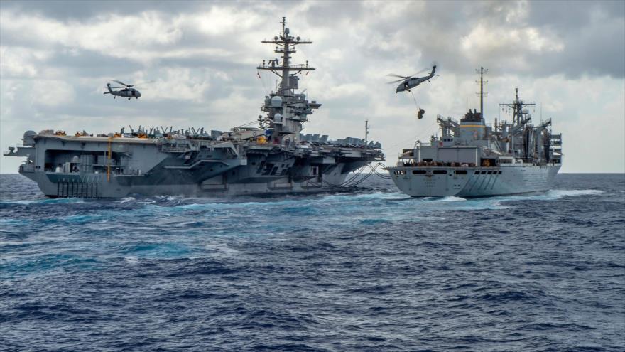 El portaviones USS Abraham Lincoln navega hacia el Golfo Pérsico, 8 de mayo de 2019. (Foto: AFP)