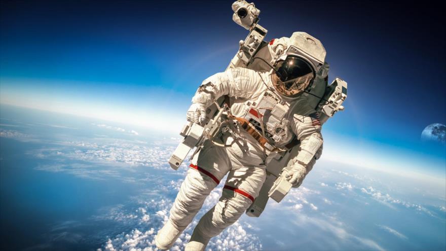 La NASA mandará por primera vez a una mujer a la Luna.
