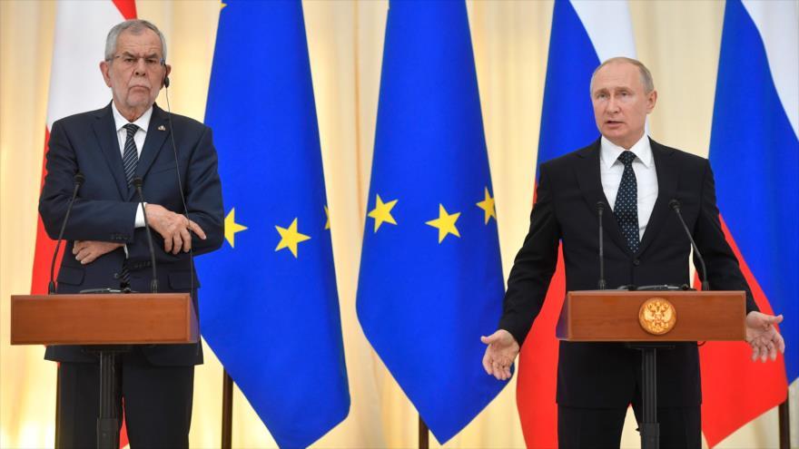 El presidente ruso, Vladimir Putin, en una rueda de prensa con su par austriaco, Alexander Van der Bellen, Sochi, 15 de mayo de 2019. (Foto: AFP)
