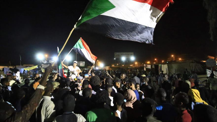 Militares disparan a sudaneses que reclaman un gobierno civil