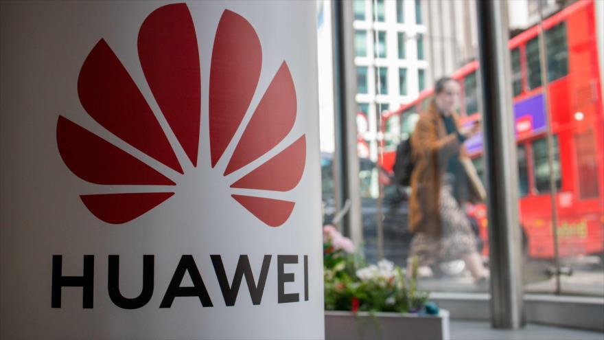 El logotipo de Huawei en su principal oficina en el Reino Unido, 29 de abril de 2019. (Foto: AFP)