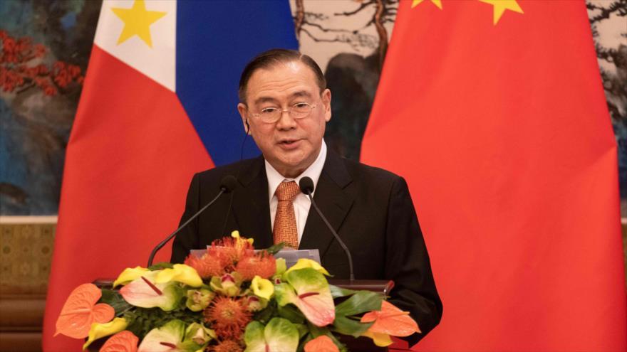 El canciller de Filipinas, Teodoro Locsin, en una conferencia de prensa en Pekín, China, 20 de marzo de 2019. (Foto: AFP)