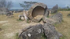 Arqueólogos descubren más de 100 tinajas megalíticas en Laos