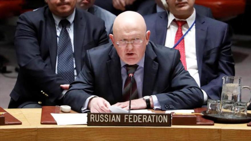 El embajador de Rusia ante las Naciones Unidas, Vasili Nebenzia, habla en la sede del ente internacional en Nueva York (EE.UU.).