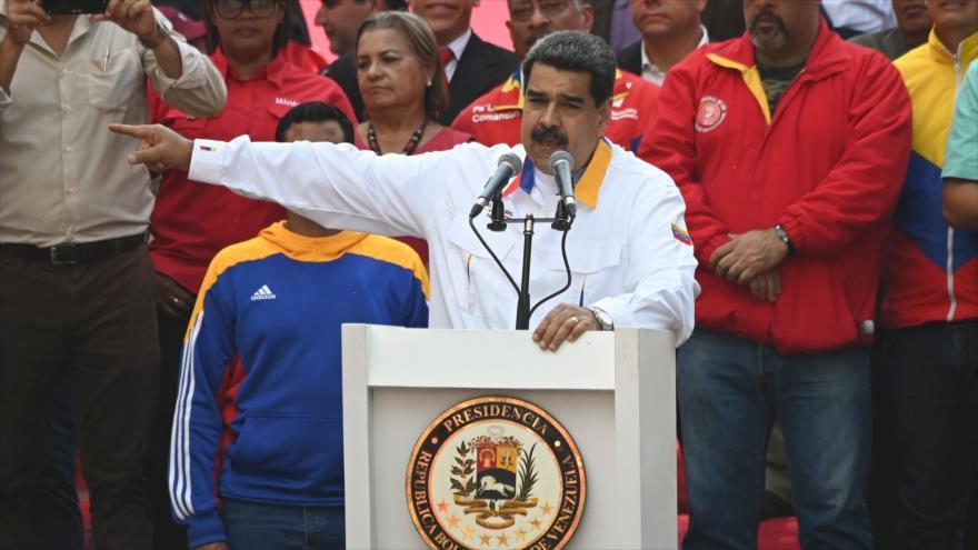 Maduro llama al diálogo y pide adelantar elecciones legislativas