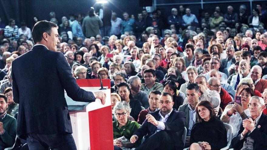 El secretario general del PSOE y presidente en funciones del Gobierno español, Pedro Sánchez, en un mitin político en Gijón, 20 de mayo de 2019.