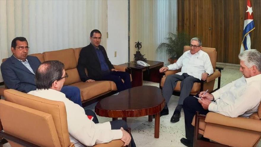 El canciller venezolano, Jorge Arreaza, se reúne con las autoridades cubanas en La Habana, 20 de mayo de 2019.