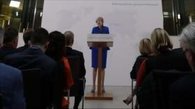 """May advierte de """"división"""" si Parlamento no apoya su propuesta"""