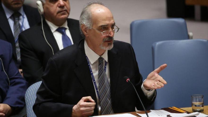 El representante permanente sirio ante las Naciones Unidas, Bashar al-Yafari, en una sesión del CSNU.