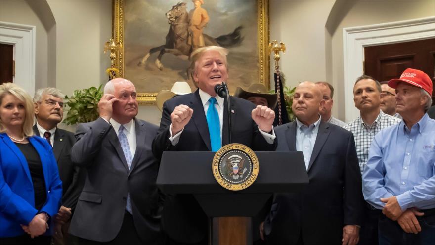 Donald Trump, presidente de EE.UU., habla en una reunión con un grupo de agricultores en la Casa Blanca, 23 de mayo de 2019. (Foto: AFP)