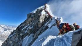 Mueren tres alpinistas en Everest, siete de lo que va de temporada