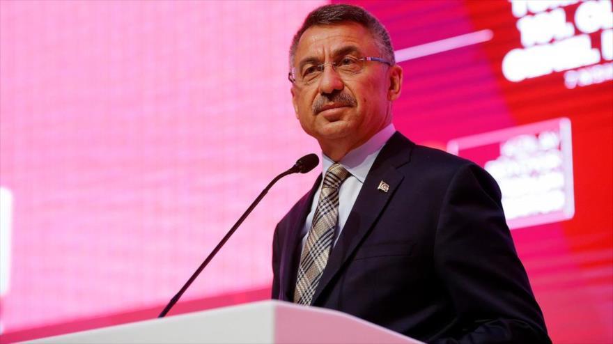 El vicepresidente turco, Fuat Oktay, ofrece un discurso en un acto en Ankara, 7 de abril de 2019.