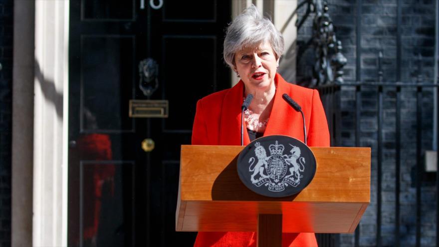 Theresa May anuncia su dimisión como primera ministra del Reino Unido, ante el número 10 de Downing Street, Londres, 24 de mayo de 2019. (Foto: AFP)