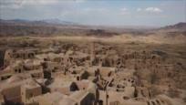 Irán: 1- El ciprés de Abarkooh y la mezquita Jameh de Abarkooh 2- La aldea de Jaranaq