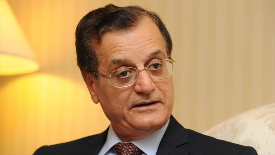 Adnan Mansur, exjefe de la Diplomacia libanesa.