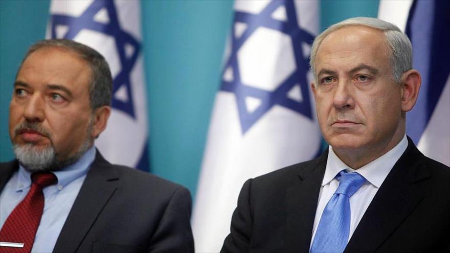 El premier israelí, Benjamín Netanyahu (dcha.), junto con el ultraderechista Avigdor Lieberman.