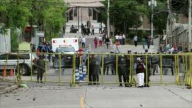 Reprimen manifestación de médicos y maestros en Honduras