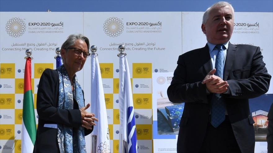Representantes franceses visitan la sede de la exhibición mundial de turismo EXPO 2020, que se celebrará en Dubái, 2 de mayo de 2019. (Foto: AFP)