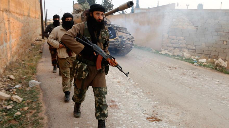 Los terroristas de Frente Al-Nusra (autoproclamado Frente Fath Al-Sham) en Siria.