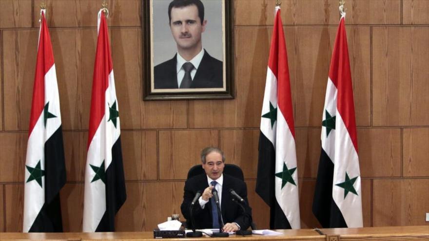 El vicecanciller de Siria, Faisal al-Miqdad, ofrece un discurso en un acto oficial en Damasco, la capital.