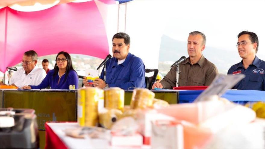 """Maduro: Estoy orgulloso del diálogo """"constructivo"""" con oposición"""