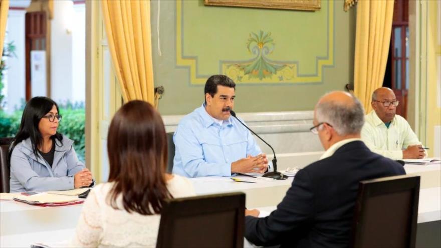 Maduro denuncia bloqueo de EEUU y culpa a la oposición de ello | HISPANTV