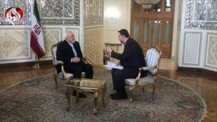 Zarif: Demonizan a Irán para encubrir su presencia ilegal en Siria