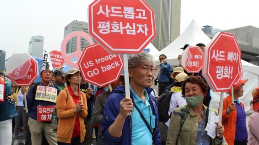 Surcoreanos protestan contra Trump frente a la embajada de EEUU   HISPANTV