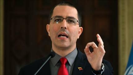 Arreaza pide a venezolanos sumarse a la campaña contra Novo Banco