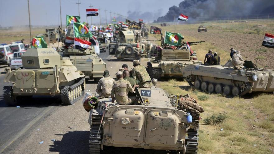 Tanques y equipos militares de las fuerzas populares iraquíes.