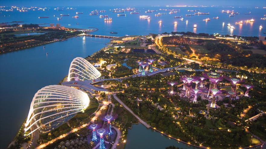 La ciudad de Singapur, capital de Singapur.