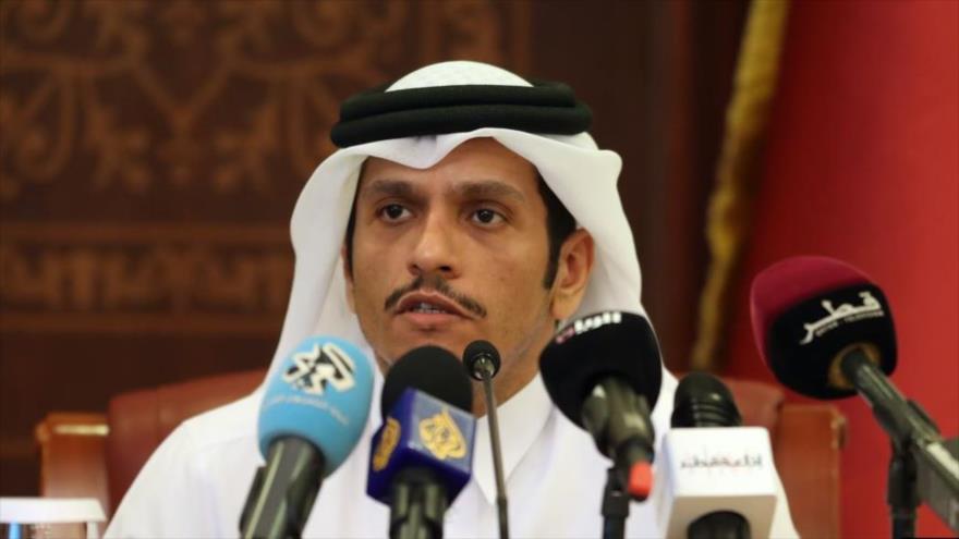 El ministro de Exteriores de Catar, Muhamad bin Abdulrahman Al Thani, comparece ante la prensa en Doha, la capital.