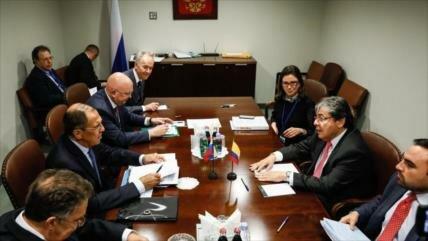 Rusia considera nuevos suministros de armas a Colombia
