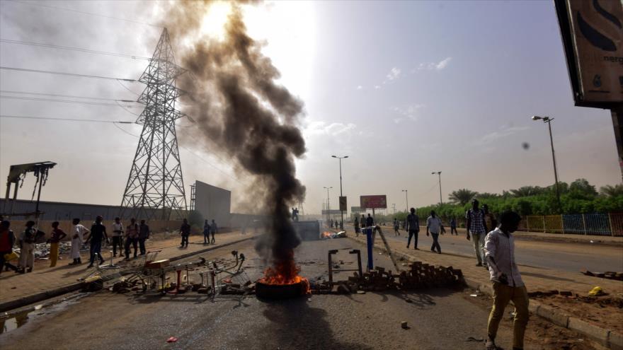 Ejército de Sudán anuncia elecciones tras una jornada sangrienta | HISPANTV