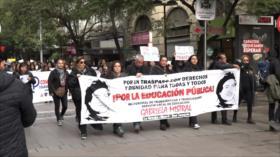 """Profesores chilenos asisten al """"funeral de la educación pública"""""""