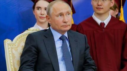 """Putin tilda de """"locos"""" a los que apoyan a Guaidó en Venezuela"""