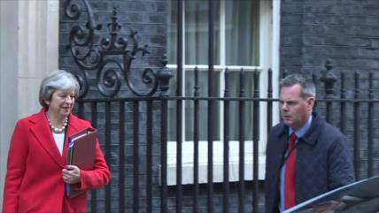 Theresa May presenta su renuncia y abre la disputa por sucesión