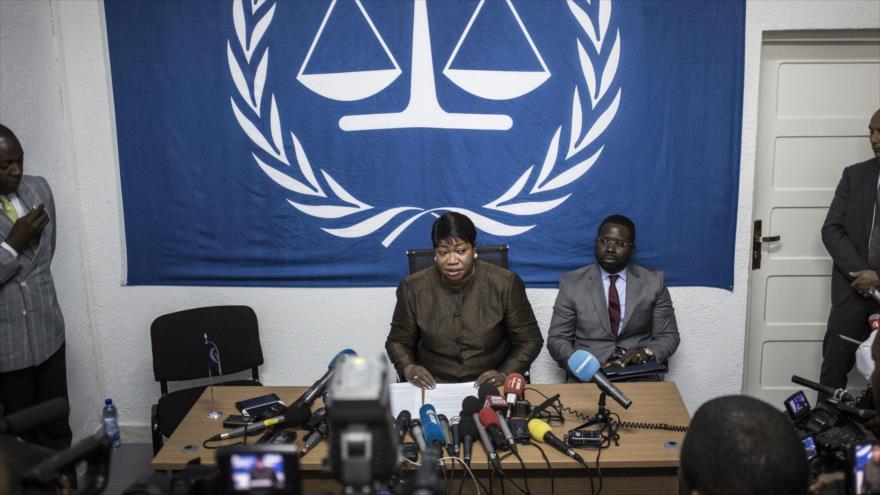 La fiscal de la Corte Penal Internacional (CPI), Fatou Bensouda, ofrece una rueda de prensa, 3 de mayo de 2018. (Foto: AFP)