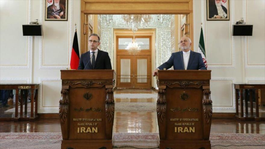 El canciller iraní, Mohamad Yavad Zarif, en una rueda de prensa con el ministro de Exteriores de Alemania, Heiko Maas, 10 de junio de 2019. (Foto: IRNA)