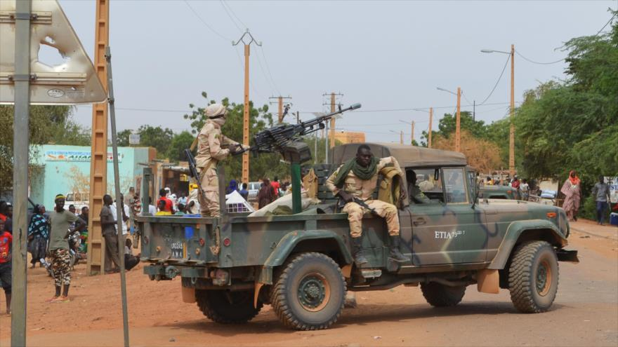 Ataque armado a un pueblo en Malí se salda con casi cien muertos | HISPANTV