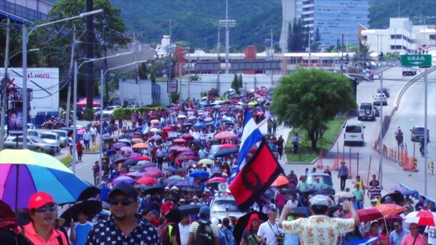 Plataformas sociales en Honduras salen a calles contra Hernández