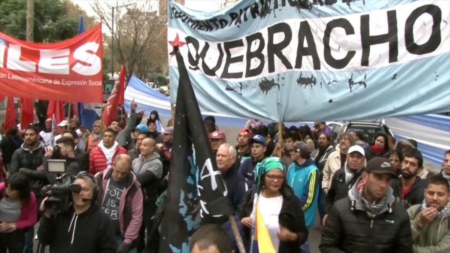 Reclaman por Malvinas frente a la embajada británica