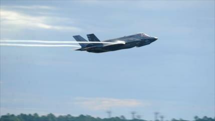 EEUU deja de entrenar a pilotos turcos de F-35 por compra de S-400