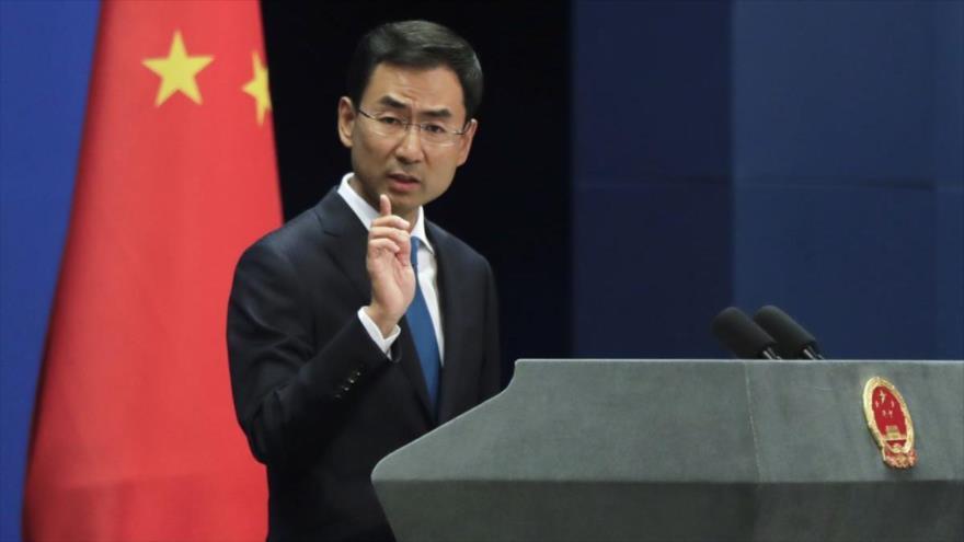 El portavoz del Ministerio de Asuntos Exteriores de China, Geng Shuang, en una rueda de prensa.