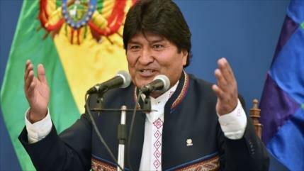 Morales arremete contra expresidentes que rechazan su reelección