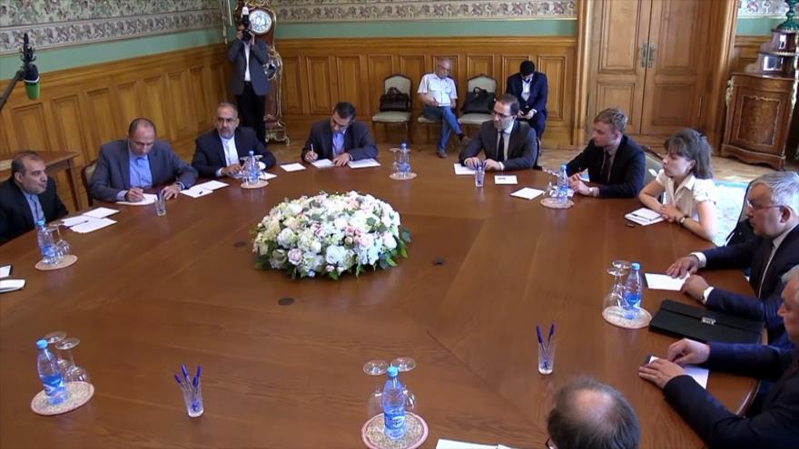 Rusia e Irán mantienen diálogo sobre situación en Oriente Medio